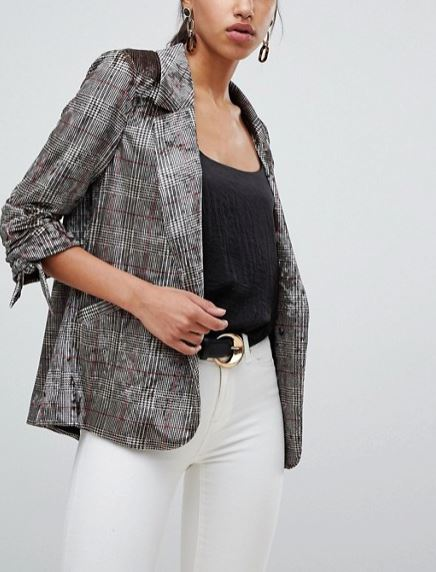 How to lok slimmer when wearing a blazer: DON'Ts