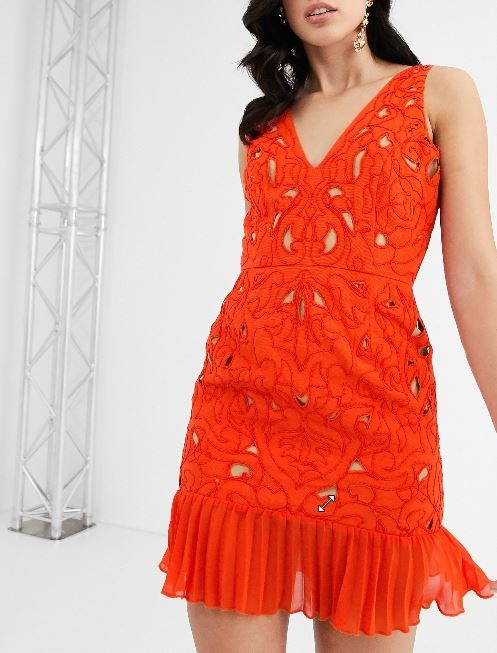 Party dresses: tips to avoid style slipups